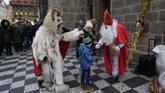 SantoNikolas disebut jadi inspirasi penciptaan Santa Claus. (AP Photo/Petr David Josek)