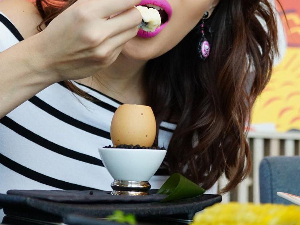 Ida mengaku kalau dirinya adalah pencinta makanan. Ia pun senang mengabadikan foto-foto makanan enak yang pernah ia santap. Foto: Instagram idarhijnsburger