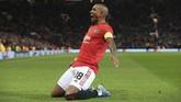 Manchester United baru mampu memecah kebuntuan melalui kapten tim Ashley Young pada menit ke-53. (Lindsey Parnaby / AFP)