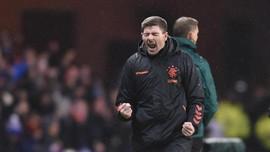 Gerrard Resmi Perpanjang Kontrak di Rangers FC