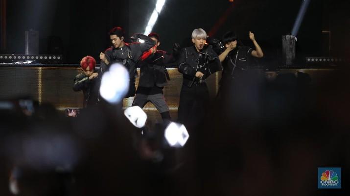 Aksi Panggung EXO, Bikin Gempar HUT ke-18 Transmedia!