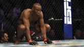 Kamaru Usman jelang pertarungan gelar juara dunia kelas welter di UFC 245 melawan Colby Covington di T-Mobile Arena. (Steve Marcus/Getty Images/AFP)