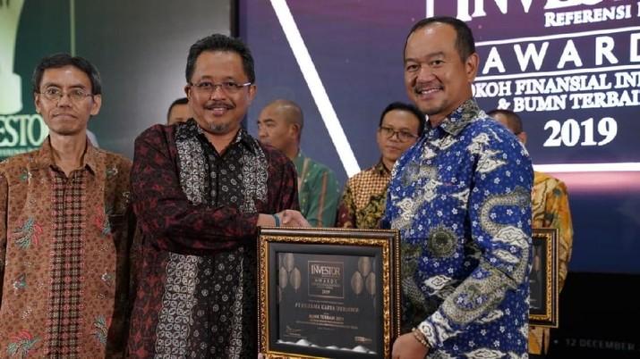 Hutama Karya Kembali Raih Penghargaan BUMN Terbaik 2019