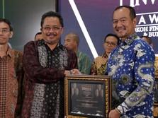 Ungguli Kompetitor, Hutama Karya Raih Gelar BUMN Terbaik 2019