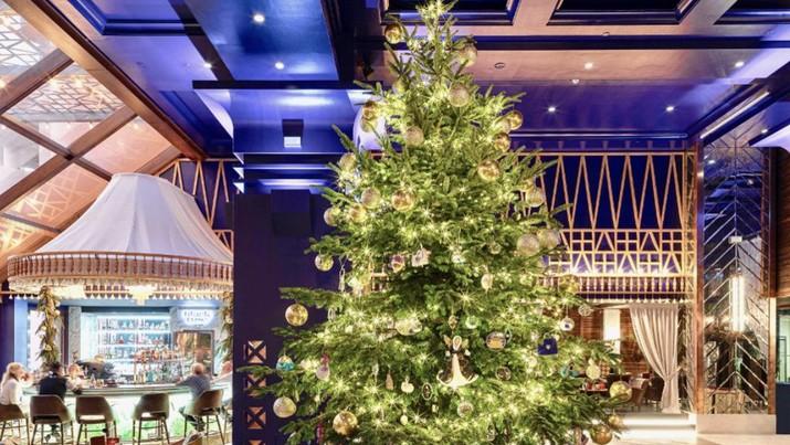 Hotel di Spanyol mengklaim punya pohon natal termahal di dunia, berhias berlian.