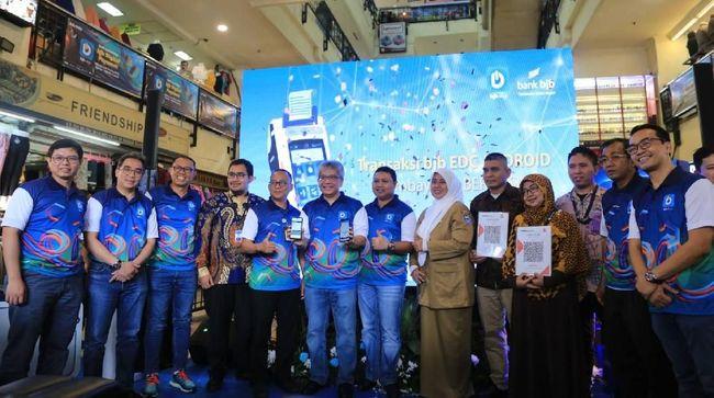 BJB Digitalkan Pasar Baru Bandung dengan QRIS