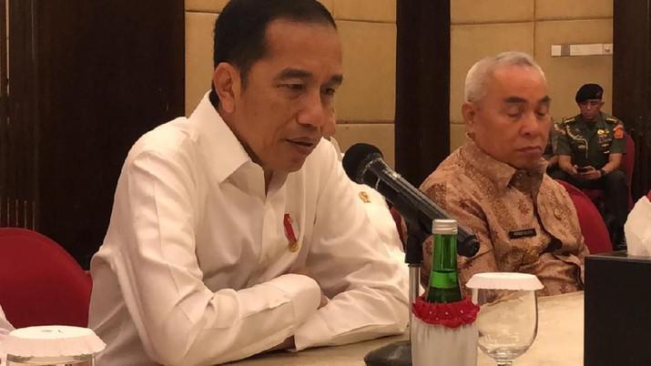 Jokowi Soroti Jutaan Orang Ogah Naik Pesawat, Gegara Mahal?
