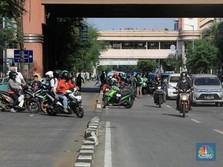 Tarif Ojol Jabodetabek Naik Rp 250/Km, Apa Kata Grab & Gojek?