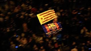 FOTO: Bentrok Separatis Catalonia di Laga Barcelona-Madrid