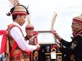 Jokowi Dapat Gelar 'Derayen Acang Aco' dari Dayak Lundayeh