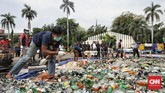 Dirjen Bea dan Cukai Heru Pambudi menyatakan ada di antara barang bukti yang dimusnahkan itu terdapat 320.000 batang rokok ilegal berbagai merek yang sudah mendapatkan putusan pengadilan berkekuatan hukum tetap.(CNN Indonesia/Bisma Septalisma)