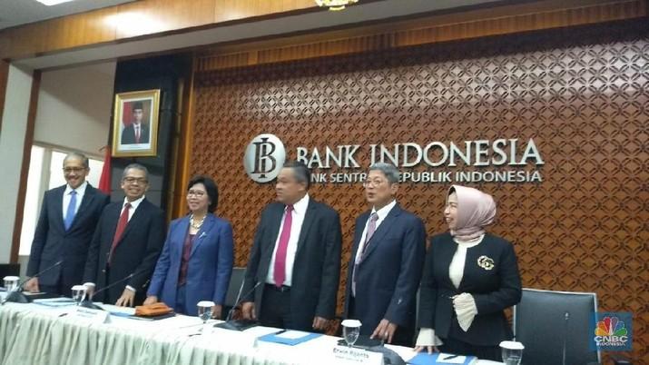 Gubernur Bank Indonesia Perry Warjiyo mengatakan, sejak awal tahun 2019, Rupiah sudah berhasil ditaklukkan dan menguat hingga 2,9% (year to date).