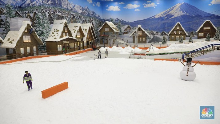 Main Salju di Trans Snow Bintaro, Serasa di Gunung Fuji!