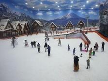 Referensi Liburan, Ini Taman Rekreasi Salju Indoor di Bintaro