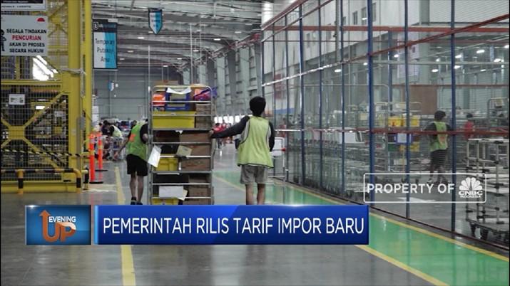 Pemerintah kenakan tarif baru untuk impor beberapa barang tertentu. Tarif untuk baju, sepatu, dan tas kena lebih mahal