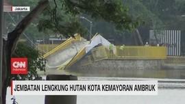 VIDEO: Baru Diresmikan, Jembatan Lengkung Kemayoran Ambruk