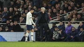 Mourinho Soal Son Tendang Rusuk Rudiger: Dia Menangis Lagi