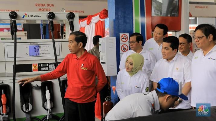 Presiden RI Jokowi di acara Peresmian Implementasi Program Biodiesel 30% oleh Presiden RI di SPBU MT Haryono. (CNBC Indonesia/Andrean Kristianto)