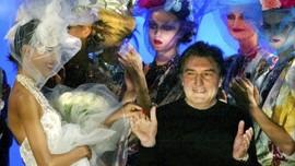 Desainer Prancis Emanuel Ungaro Meninggal Dunia