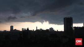 Siaga Banjir saat Hujan Ekstrem, DKI Kerahkan Pompa 'Mobile'