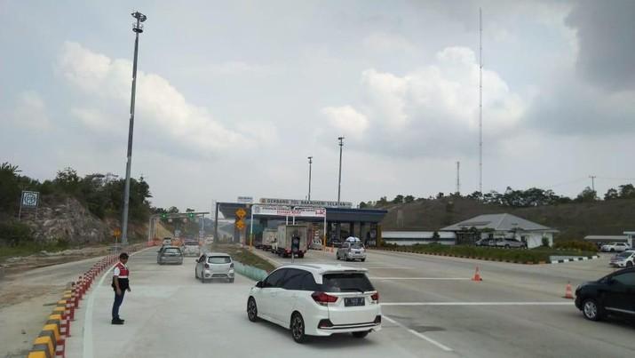 Tiga hari menjelang perayaan Natal 2019 Jalan Tol Trans Sumatera (JTTS) telah dilewati 19 ribu kendaraan yang kebanyakan pemudik dari Pulau Jawa.