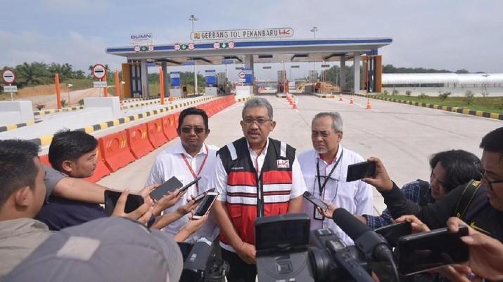 Ruas Tol yang nantinya akan terdiri dari 6 seksi dan tembus hingga Dumai pagi tadi telah dijajal langsung oleh Gubernur Riau Syamsuar, beserta rombongan.