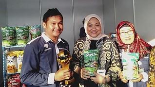 Menaker Minta TKI Promo Borobudur-Mandalika dengan Ponsel