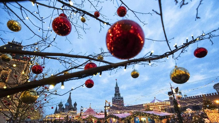 Mengintip Kemeriahan Natal dari Indonesia Hingga Pakistan
