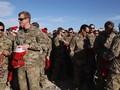 VIDEO: Militer AS Bagikan Kado Natal untuk Pasukan di Suriah