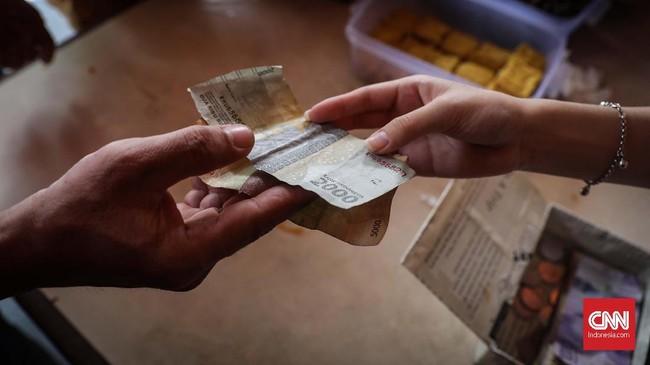 Harga sepiring nasi dan lauknya dijual seharga Rp3 ribu yang sangat menjangkau kaum tak mampu yang tinggal di sekitar vihara. CNNIndonesia/Safir Makki