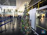 Unik! Barang Hasil Sitaan Bandara 'Disulap' Jadi Pohon Natal