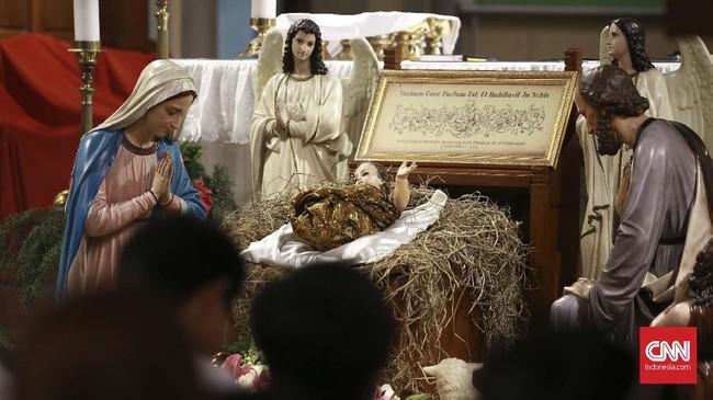 Ibadah Misa Malam Natal di Gereja Katedral, Jakarta, Selasa (24/12) telah dimulai sejak pukul 16.30 WIB. (CNN Indonesia/Andry Novelino)