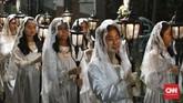 Suasana khidmat pun terasa selama ibadah Misa Natal tersebut.(CNN Indonesia/Andry Novelino)