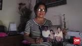 Ni Luh Erniati kehilangan suaminya dalam teror Bom Bali I, 12 Oktober 2002. Ia kini menjadi seperti 'ibu' bagi para korban-keluarga korban teror di Bali sebagai Ketua Isana Dewata. (CNN Indonesia/Ryan Hadi Suhendra)