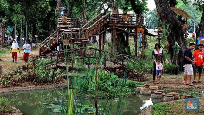 Taman Tomang Raya, Padukan Alam dan Permainan Tradisional
