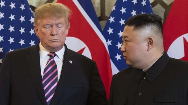 PertemuanPresiden Amerika Serikat, Donald Trump,PemimpinKorea Utara Kim Jong Un diHanoi, Vietnam,pada 27 Februari 2019. (Photo by Saul LOEB / AFP)