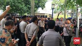 Demo Uighur, Polisi Tutup Sebagian Ruas Jalan Mega Kuningan