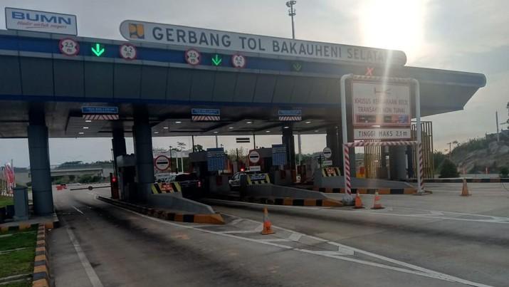 PT Hutama Karya mencatat sebanyak 651.298 kendaraan telah melintasi Jalan Tol Trans Sumatra, baik pada ruas yang sudah beroperasi penuh maupun ruas fungsional.