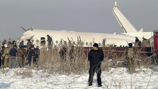 Presiden Kazakhstan Kasyym-Jomart Tokayev menyatakan belasungkawa kepada seluruh penumpang dan kerabat keluarga yang ditinggalkan.(AP Photo/Vladimir Tretyakov)