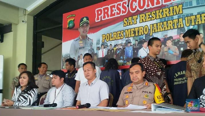 Polres Metro Jakarta Utara berhasil mengungkap tidak kejahatan fintech ilegal yang dilakukan oleh PT Vega Data dan PT Barracuda Fintech.