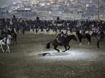Buzkashi, Tradisi Unik Afghanistan Merebutkan Bangkai Kambing