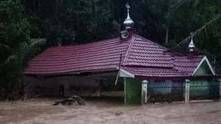 Banjir Bandang Terjang Lahat, Rumah dan Warga Hanyut