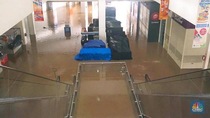 Mal Cipinang Indah Jakarta Timur Kebanjiran!
