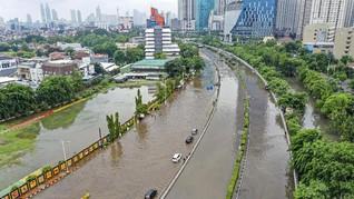 Banjir Jakarta Hambat Pengiriman Barang