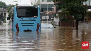 Banjir, Transjakarta Alihkan Rute Koridor Harmoni-Kalideres