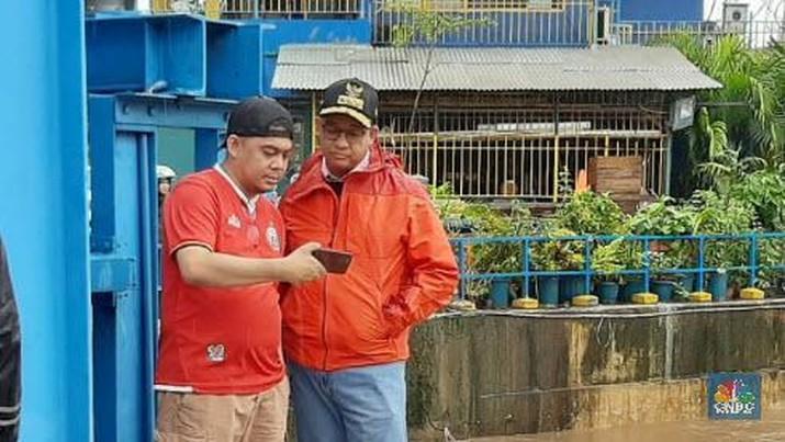Demikian dikatakan Anies saat ditemui meninjau tanggul di Jalan Latuharhari, Jakarta Pusat.