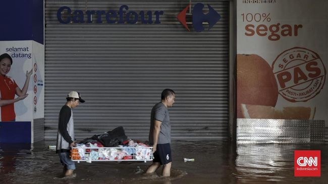 Pedagang Pasar Taksir Bisnis Rugi Rp1 T Akibat Banjir Jakarta