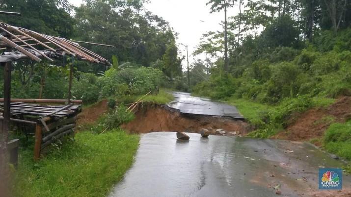 Banjir Bandang Hantam Bogor, 4 Jembatan Putus