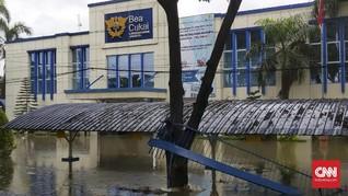 Banjir di Jakarta, Pagar Bea Cukai Jebol