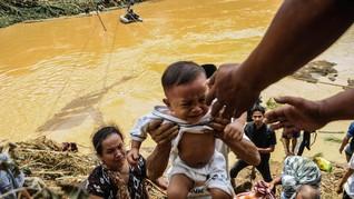 Rentetan Derita Korban Banjir Lebak yang Tertutup Isu Jakarta